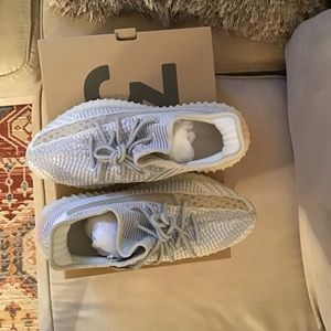 adidas Shoes - Yeezy BOOST350 v2 us 9 1/2